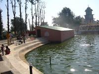 寺院の池5
