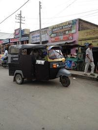 黒い三輪車