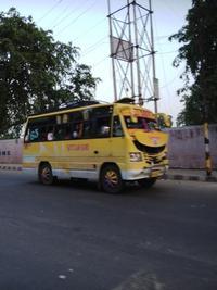 黄色いバス