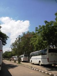 大型バス 2013/06/23 20:00:00